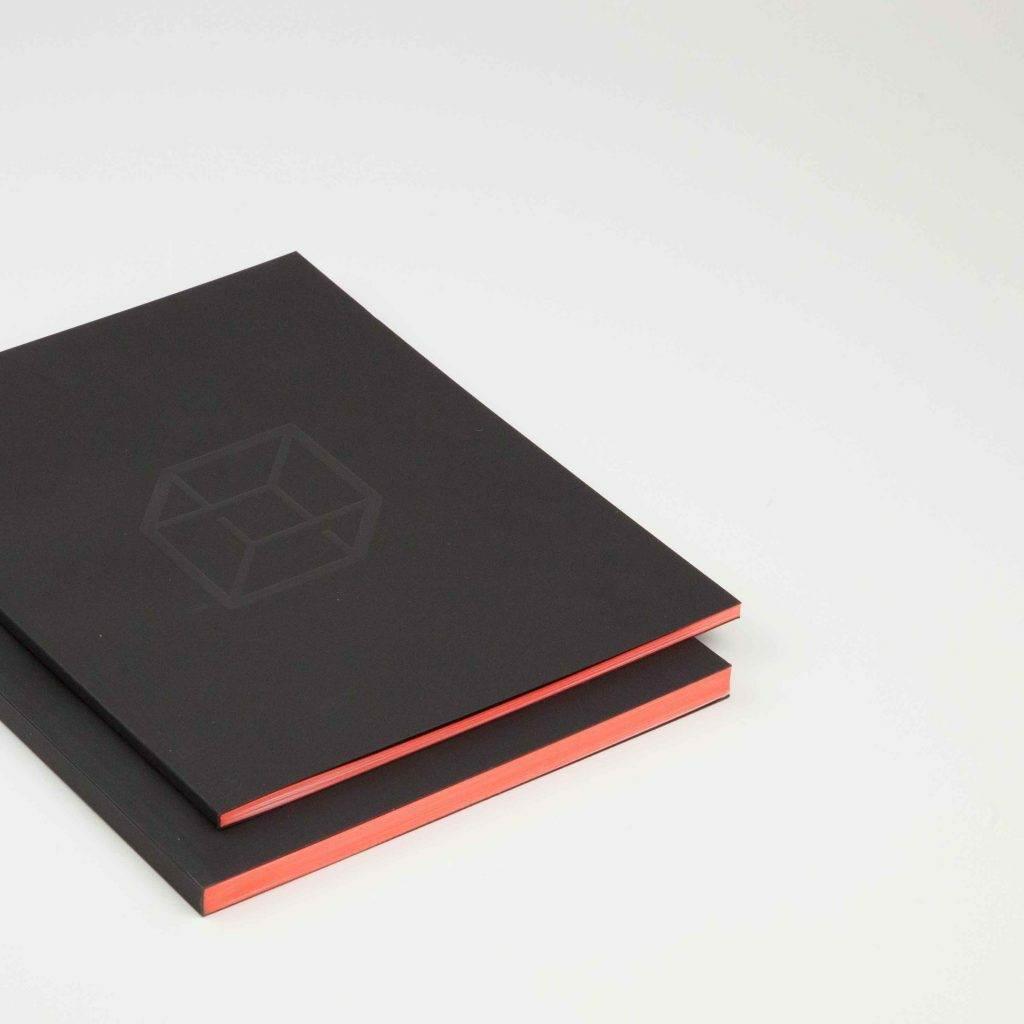catalogue couleur sur tranche